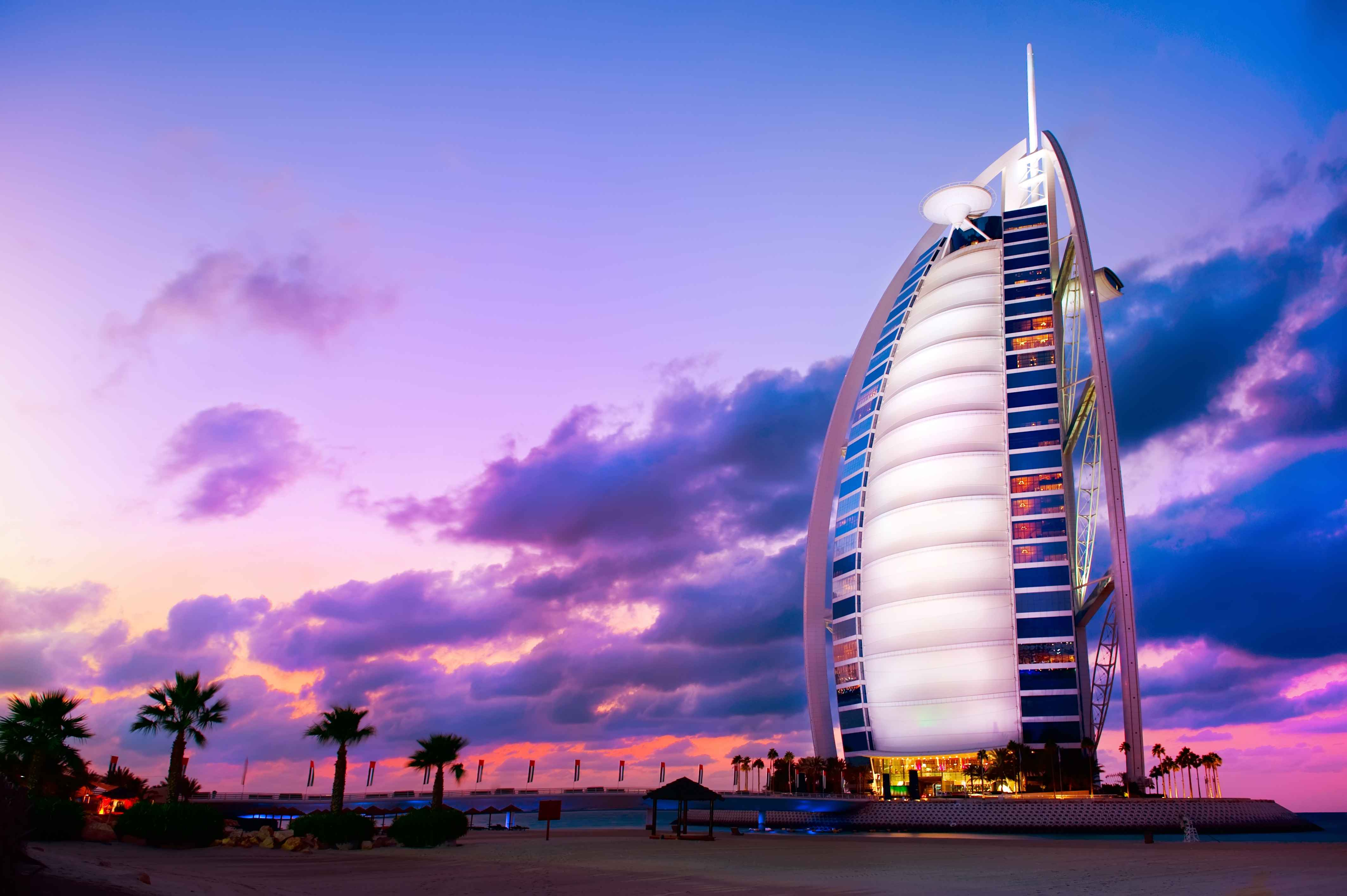 Experience Dubai's Night Life - Travel Fube