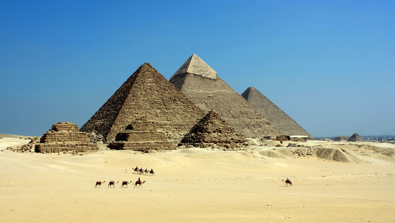 Explore The Touring Egypt  - Travel Fube
